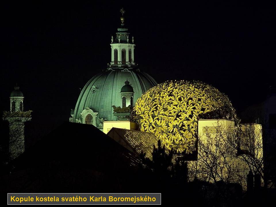 Kopule kostela svatého Karla Boromejského