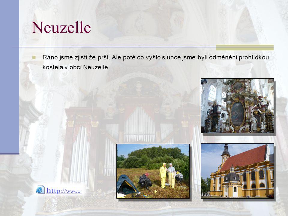 Neuzelle Ráno jsme zjisti že prší. Ale poté co vyšlo slunce jsme byli odměněni prohlídkou kostela v obci Neuzelle.