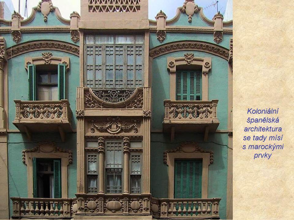 Nové město se začalo budovat až od konce 19. století za hradbami starého města