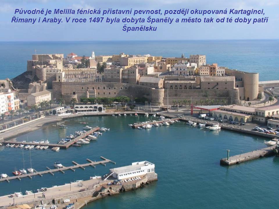 Melilla leží na africkém pobřeží Středozemního moře, na území Maroka.