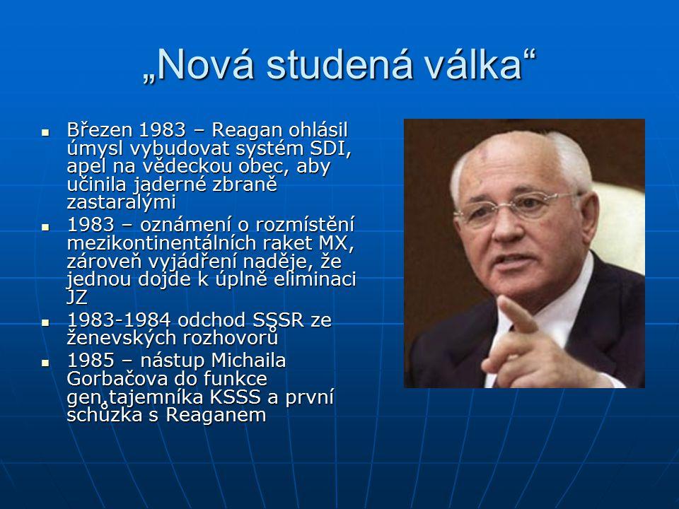 Konec studené války v Evropě – sjednocení Německa I Gorbačovův názor zpočátku takový, že sjednocení není na pořadu dne (obava z přijetí takového aktu v SSSR) Gorbačovův názor zpočátku takový, že sjednocení není na pořadu dne (obava z přijetí takového aktu v SSSR) Únor 1990 – rozmluva Gorbačova s Kohlem – Němci mají právo sami se rozhodnout, v jakém státě chtějí žít, kdy a jak se má sjednocení uskutečnit Únor 1990 – rozmluva Gorbačova s Kohlem – Němci mají právo sami se rozhodnout, v jakém státě chtějí žít, kdy a jak se má sjednocení uskutečnit Dohoda SSSR, USA a NSR sjednána na schůzce v kanadské Ottawě v únoru 1990 ve formuli 2+4 Dohoda SSSR, USA a NSR sjednána na schůzce v kanadské Ottawě v únoru 1990 ve formuli 2+4