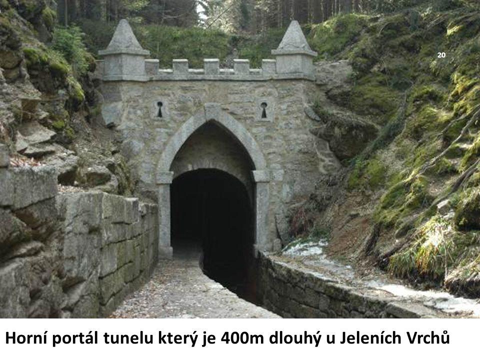 Horní portál tunelu který je 400m dlouhý u Jeleních Vrchů 20