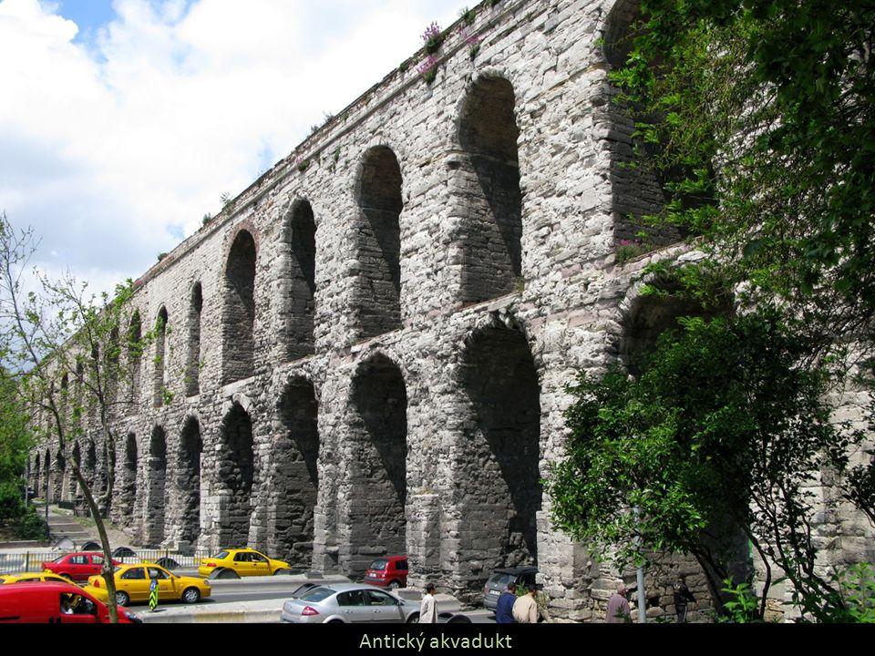 Antický akvadukt