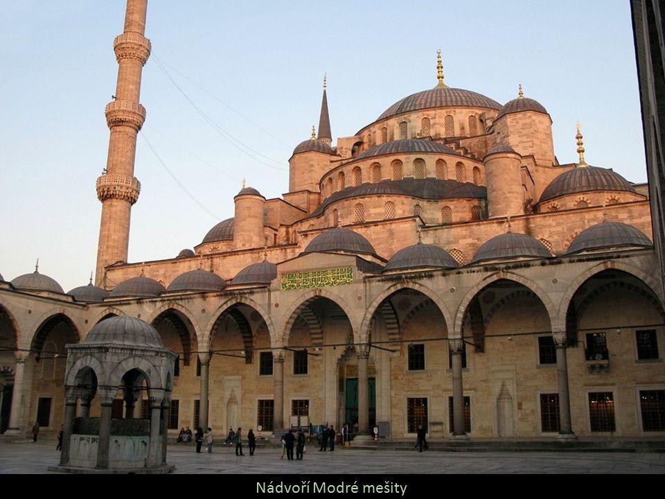 Nádvoří Modré mešity