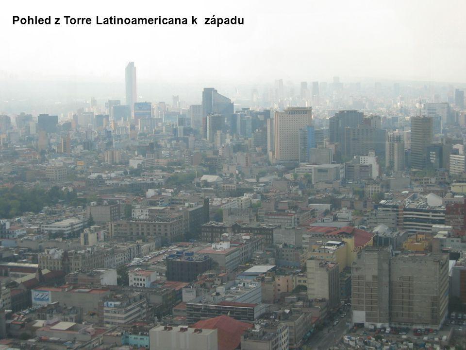 Pohled z Torre Latinoamericana k západu