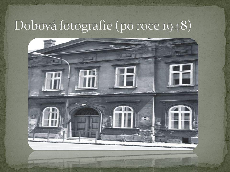 Rod Rothschildů jej původně postavil jako své sídlo.