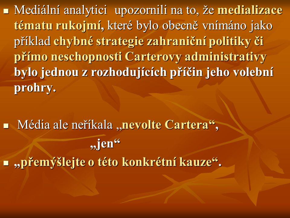 Mediální analytici upozornili na to, že medializace tématu rukojmí, které bylo obecně vnímáno jako příklad chybné strategie zahraniční politiky či pří