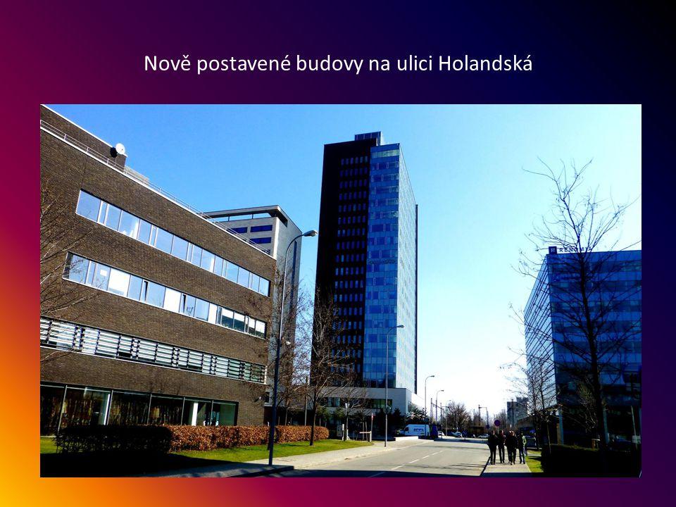 Nová budova, Moravská zemská knihovna - ulice Kounicova 113, byla pro veřejnost otevřena 11.12.