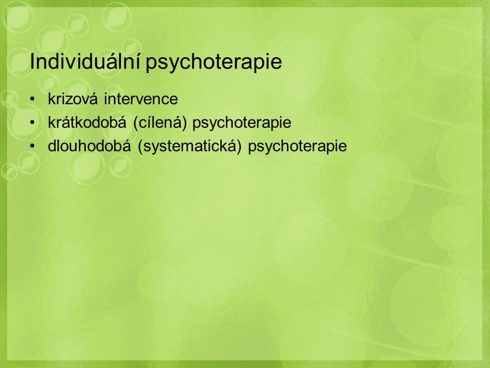 vlastní specializovaný výcvik v oboru – minimálně 24 měsíců povinná praxe pod odborným vedením klinického psychologa minimálně 1 měsíc na psychologickém pracovišti poskytujícím péči o děti minimálně 1 měsíc na psychologickém pracovišti, které poskytuje své služby psychiatrickým pacientům minimálně 1 měsíc na psychologickém pracovišti lůžkového oddělení, které poskytuje své služby pacientům jiných lékařských oborů Specializační příprava – jak probíhá?