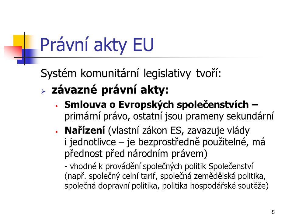 49 Srovnání českého pojistného trhu a pojistného trhu EU za rok 2000 UkazatelEUČRČR Počet obyvatel (v tis.)377 61710 261 Počet pojišťoven4 78641 Počet obyvatel / 1 pojišťovnu78 900250 268 Počet zaměstnanců v pojišťovnictví891 04316 112 Počet zaměstnanců / tisíc obyvatel2,361,57 Předepsané pojistné (v mil.