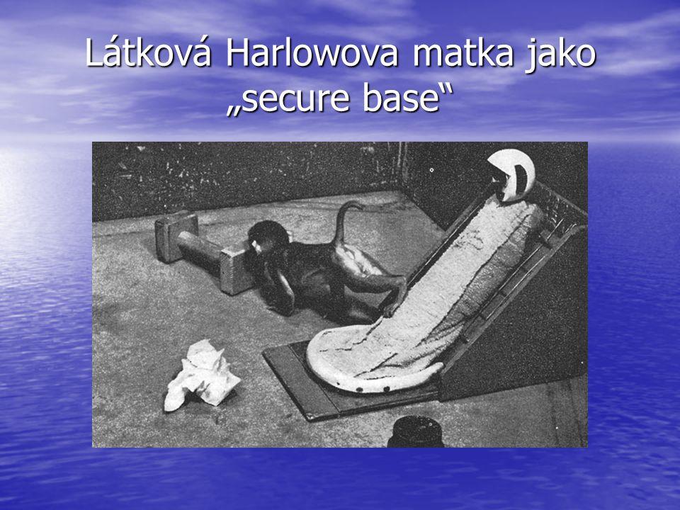 """Látková Harlowova matka jako """"secure base"""