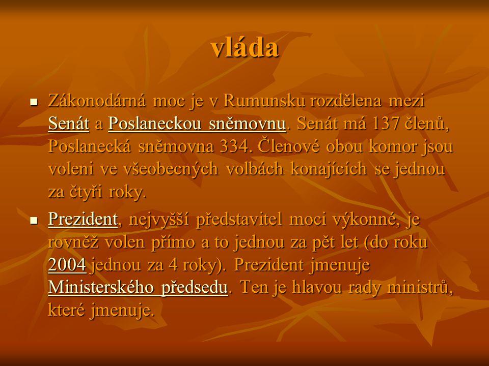 vláda Zákonodárná moc je v Rumunsku rozdělena mezi Senát a Poslaneckou sněmovnu. Senát má 137 členů, Poslanecká sněmovna 334. Členové obou komor jsou
