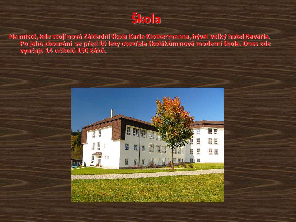 Die Schule Anstelle des heutigen Schulgebäudes von Karl Klostermann stand hier früher das Hotel Bavaria.