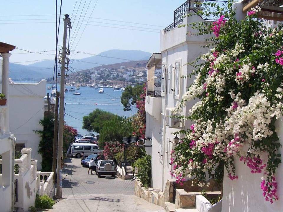 Náměstí Původní název města je Halikarnas. Založili ho totiž Řekové