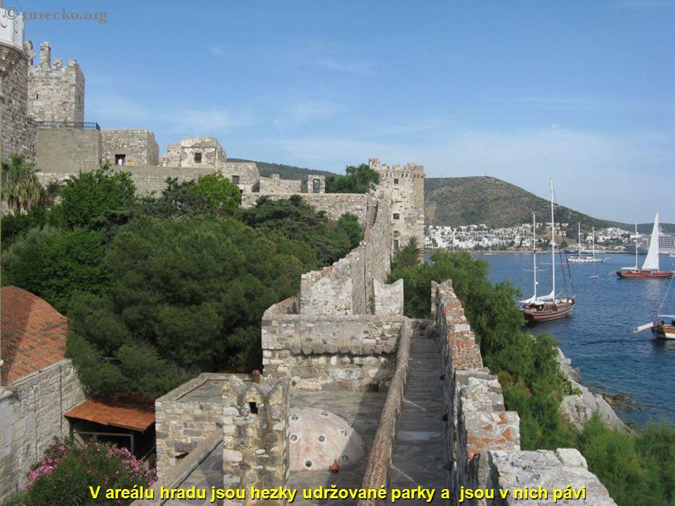 Papež dokonce zaručoval všem, kdo se na stavbě hradu podíleli, přístup do nebe !