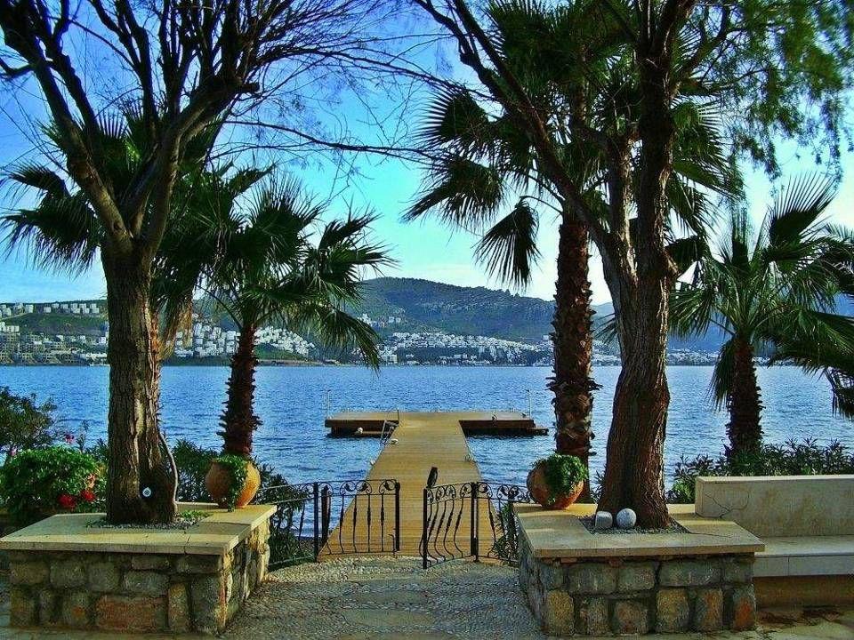 Celý poloostrov patří mezi nejúchvatnější místa v Turecku a svými přírodními krásami bývá označován jako turecké Saint Tropez