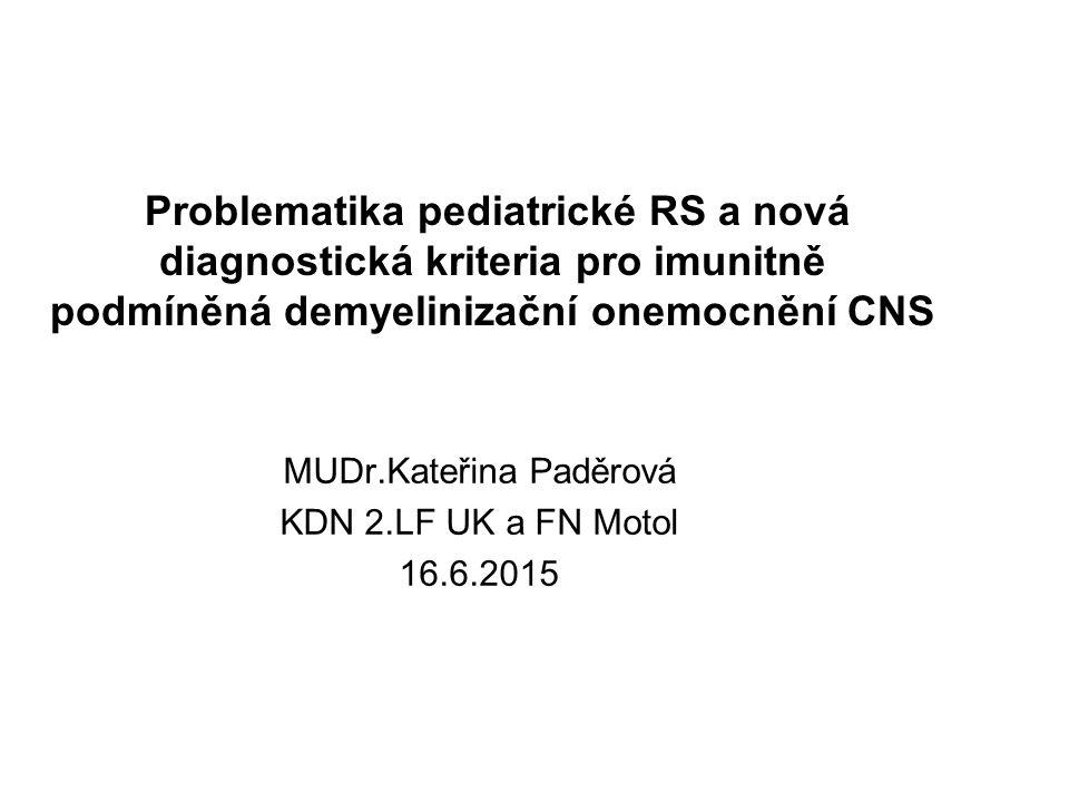 """Pediatrická RS Symptomy: monosymptomatický začátek 56-87% pyramidové 40-50% ON 20-25% kmenové 10-25% Průběh: RR forma 97% relaps rate vyšší po 1.epizodě lepší úprava 68% residuum nebo žádná úprava 12 - 32% Progrese: u dětí pomalejší POMS 15-18 let do EDSS 6 AOMS 12-14 let do EDSS 6 Častěji """" benigní forma"""