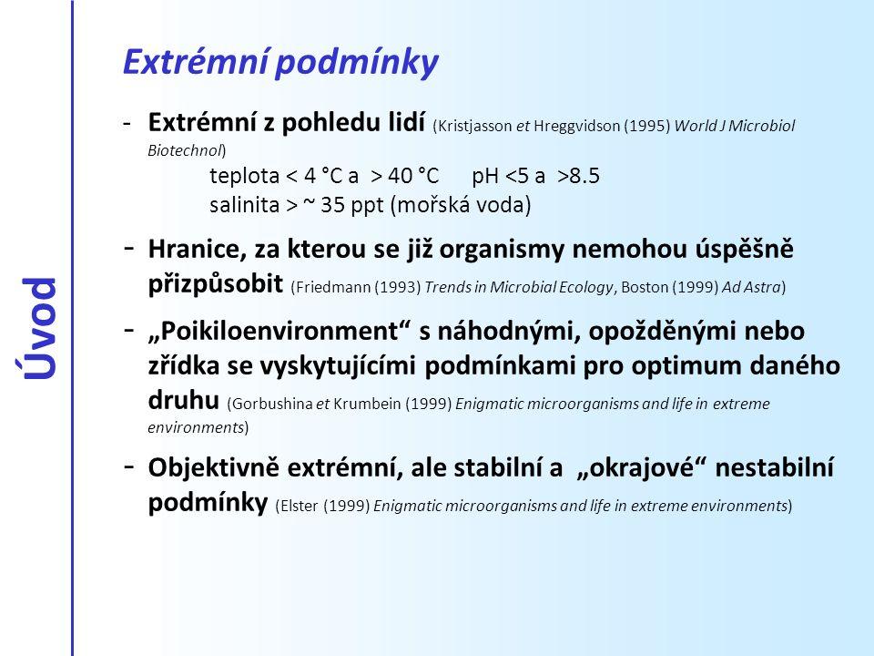 - Velmi variabilní - Vyšší podíl UV záření → Cheopsfjellet v Petuniabukta – různé světelné podmínky.