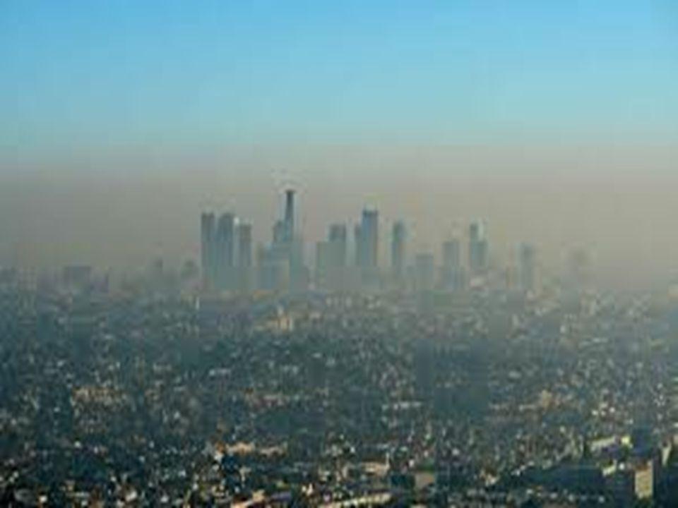 POLUTANTY V HYDROSFÉŘE Jako znečištění označujeme obecně každou změnu přirozených fyzikálních a chemických vlastností vody, která snižuje její kvalitu se zřetelem k použitelnosti.