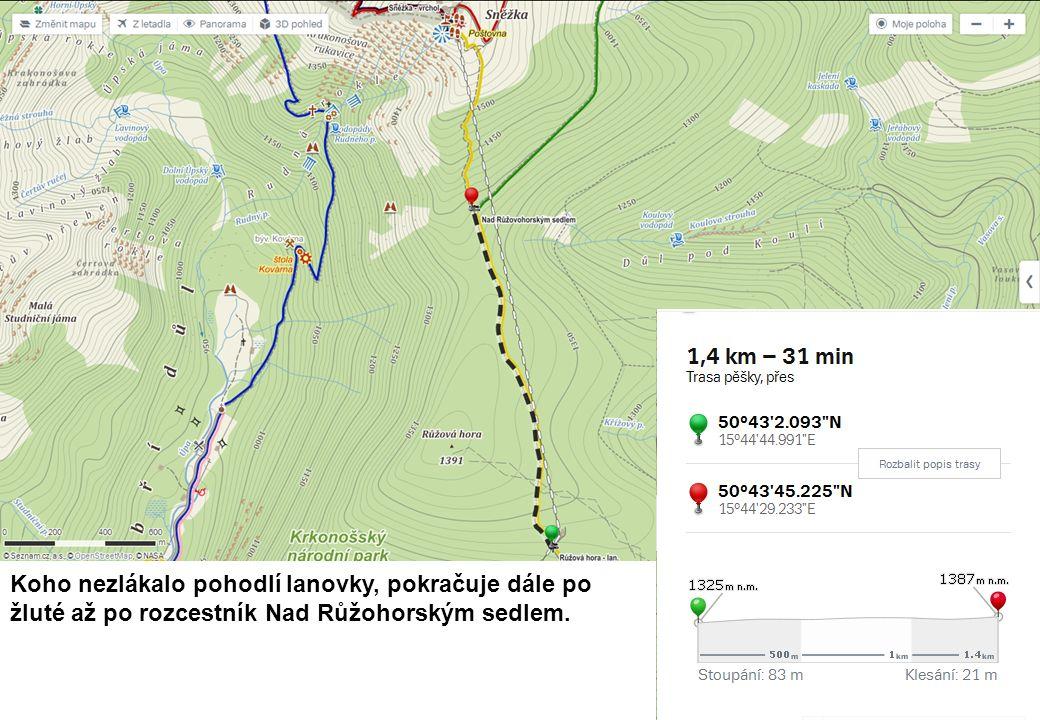 Koho nezlákalo pohodlí lanovky, pokračuje dále po žluté až po rozcestník Nad Růžohorským sedlem.