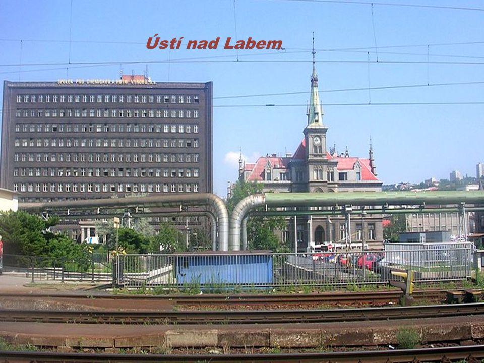 Ve městě se vyrábí papír: Ústí nad Labem Štětí Louny