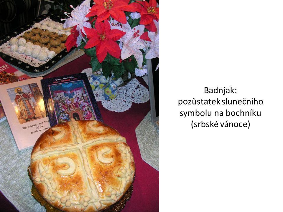 Badnjak: pozůstatek slunečního symbolu na bochníku (srbské vánoce)