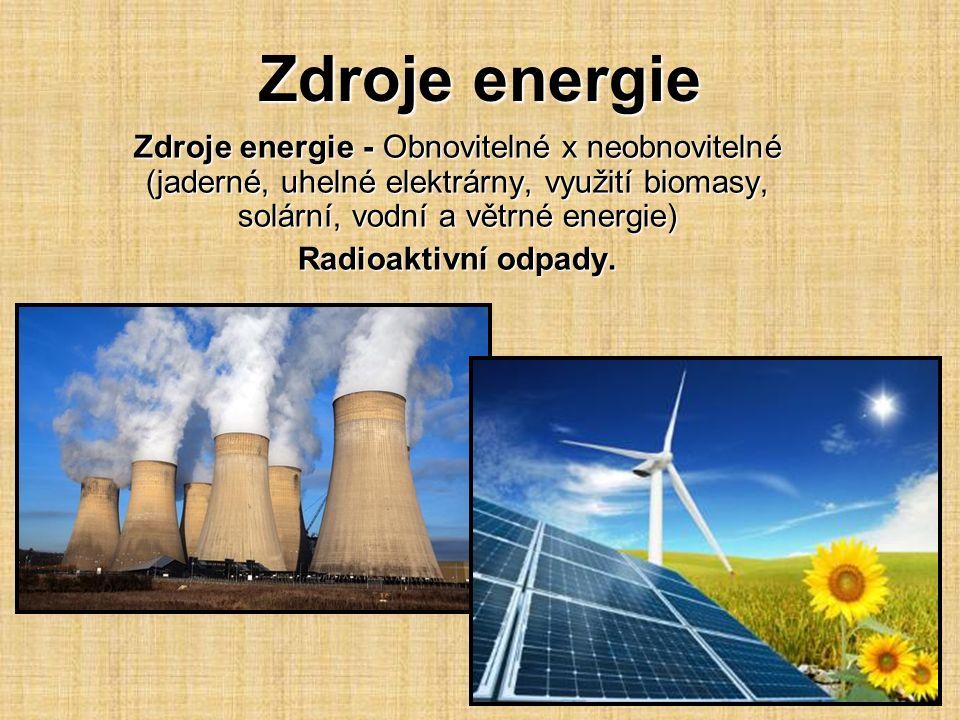 Jaderná energie je energie vázaná v jádře atomu a lze ji uvolnit pomocí jaderných reakcí.