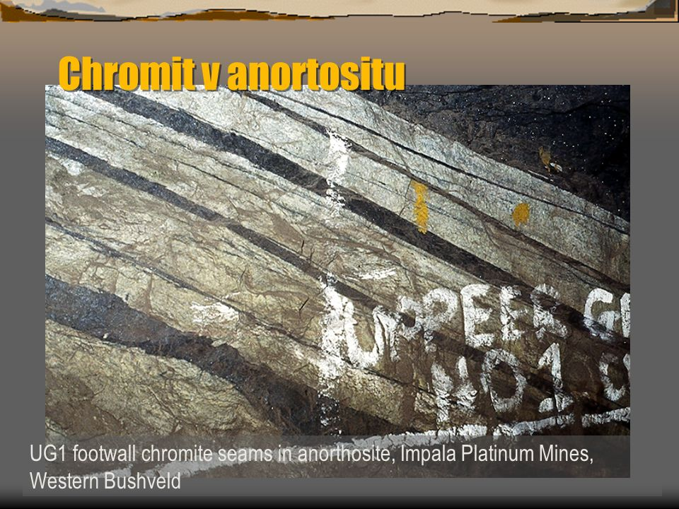 UG1 footwall chromite seams in anorthosite, Impala Platinum Mines, Western Bushveld Chromit v anortositu