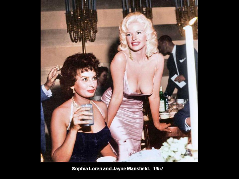 Sophia Loren and Jayne Mansfield1957.