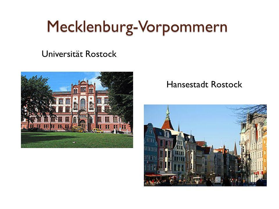 Schwerin Landeshauptstadt von Mecklenburg-Vorpommern Schloss Schwerin Blick über die Stadt vom Bahnhof aus: Dom und Schloss in der Bildmitte