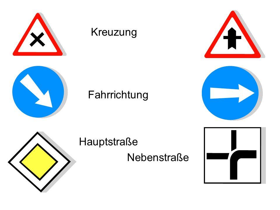 Kreuzung Fahrrichtung Hauptstraße Nebenstraße