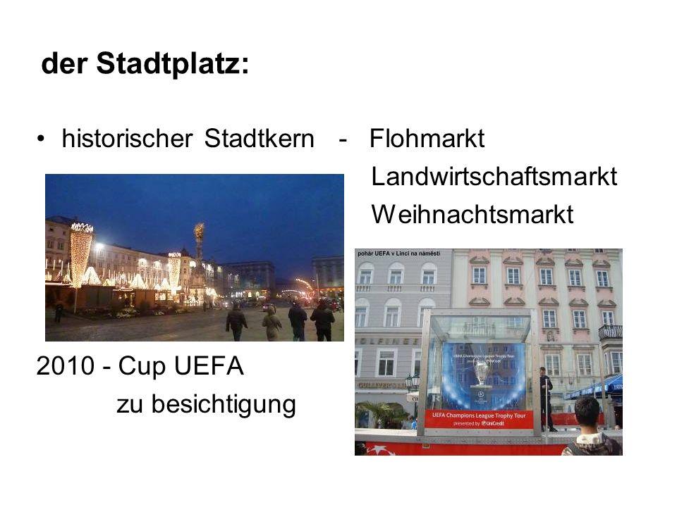 der Stadtplatz: historischer Stadtkern - Flohmarkt Landwirtschaftsmarkt Weihnachtsmarkt 2010 - Cup UEFA zu besichtigung