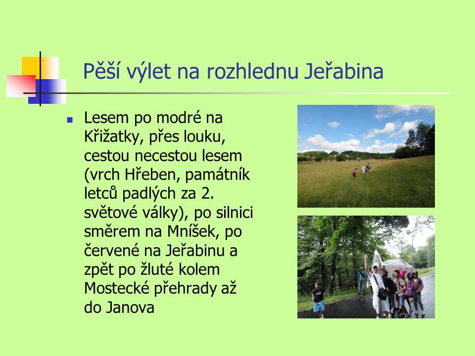 Pěší výlet na rozhlednu Jeřabina Lesem po modré na Křižatky, přes louku, cestou necestou lesem (vrch Hřeben, památník letců padlých za 2.