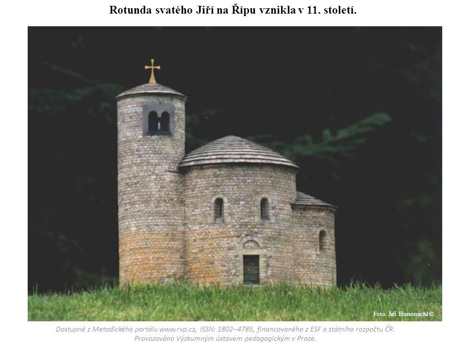 Rotunda svatého Jiří na Řípu vznikla v 11. století. Foto: Jiří Honomichl ©