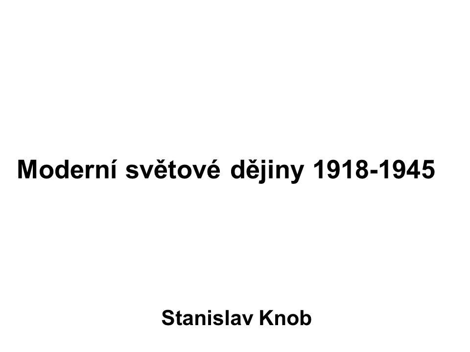 Rusko (Sovětský svaz) - 1918–1920 občanská válka (etapa válečného komunismu) - 1921 zavedena politika NEP - 1922 vznik svazu (tehdy čtyři republiky – RSFSR, Ukrajina, Bělorusko, Zakavkazsko) - 1922 Stalin se stal generálním tajemníkem komunistické strany (1924 zemřel Lenin) - budování socialismu v jedné zemi (pětileté plány), hladomory a budování těžkého průmyslu - 30.