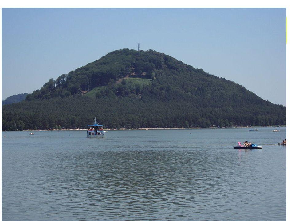 Máchovo jezero Máchovo jezero též zvané Velký rybník nebo Velký Dokeský rybník (je největší rybník v Libereckém kraji a osmý největší v České republice.