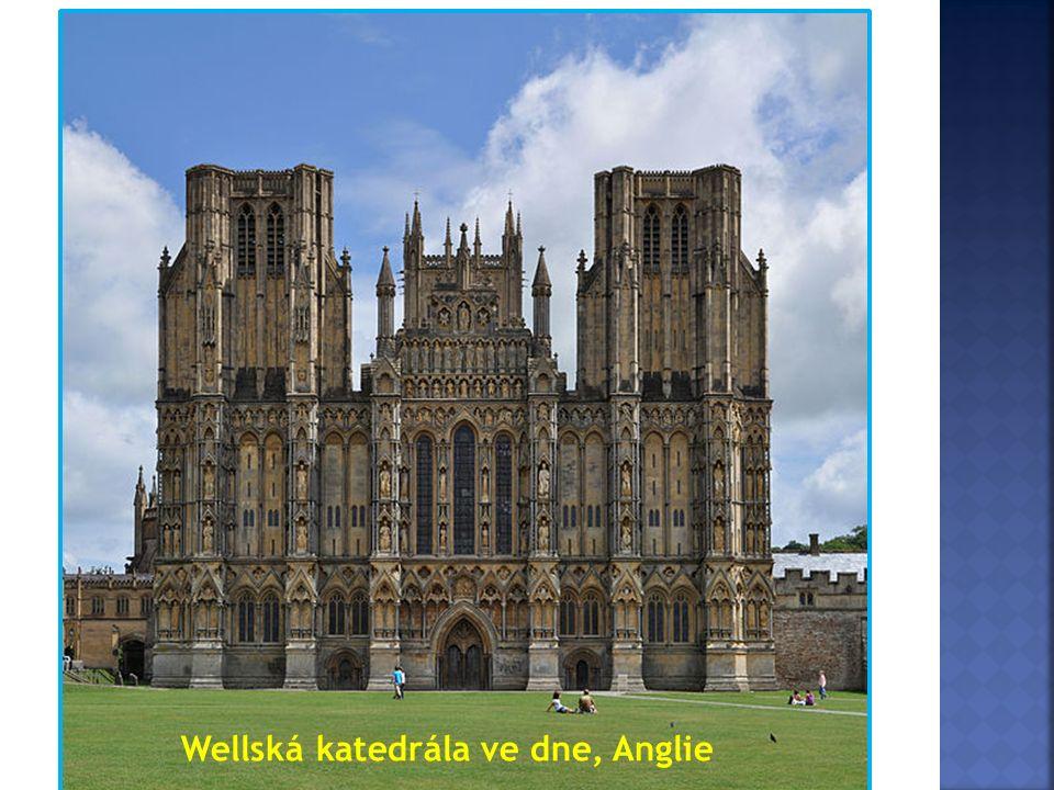 Wellská katedrála ve dne, Anglie