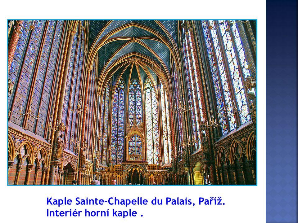 Kaple Sainte-Chapelle du Palais, Paříž. Interiér horní kaple.