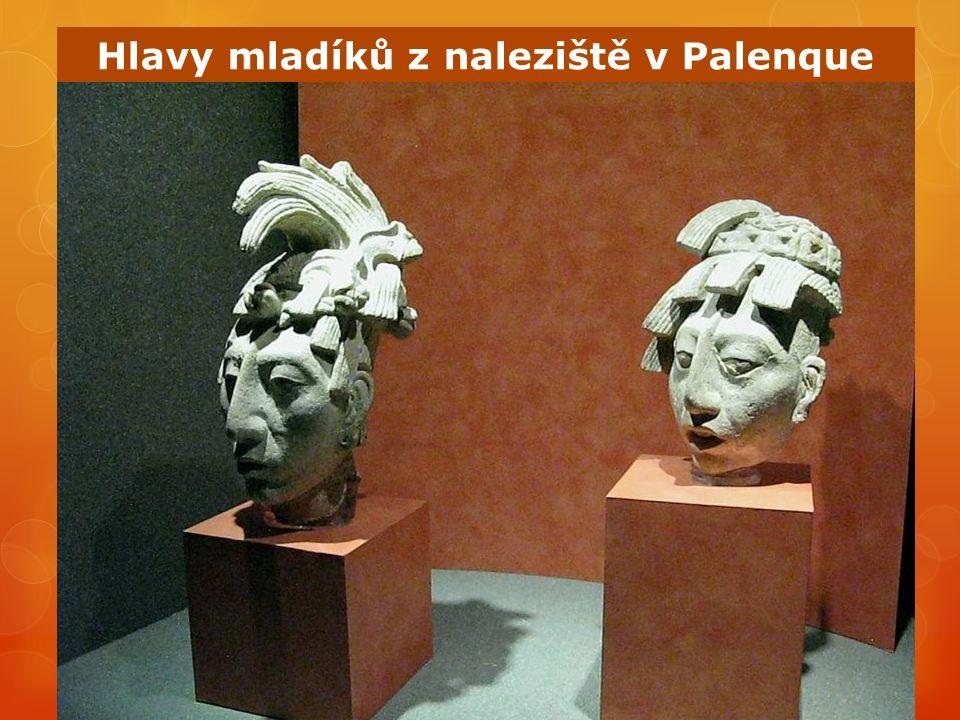 Hlavy mladíků z naleziště v Palenque