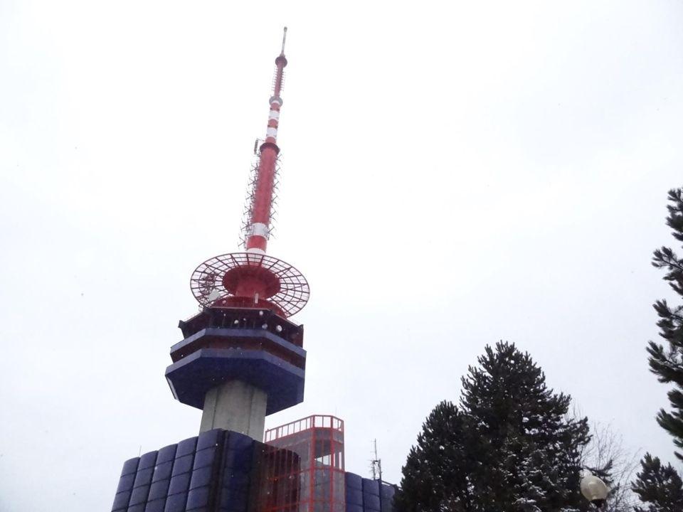 V letech 1964 - 66 byla v areálu ostravského vysílače vybudována betónová kulatá retranslační věž vysoká 50m, pro potřeby neustále se rozvíjejících retranslačních tras a příspěvkových distribučních sítí.