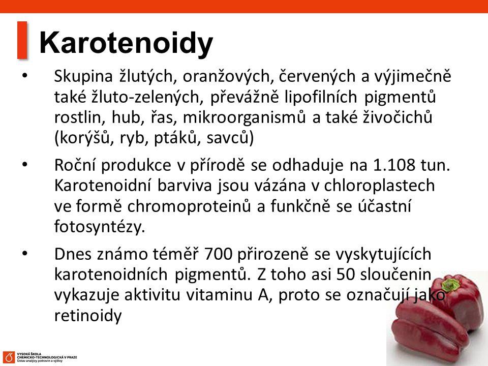 51 Karotenoidy Skupina žlutých, oranžových, červených a výjimečně také žluto-zelených, převážně lipofilních pigmentů rostlin, hub, řas, mikroorganismů a také živočichů (korýšů, ryb, ptáků, savců) Roční produkce v přírodě se odhaduje na 1.108 tun.