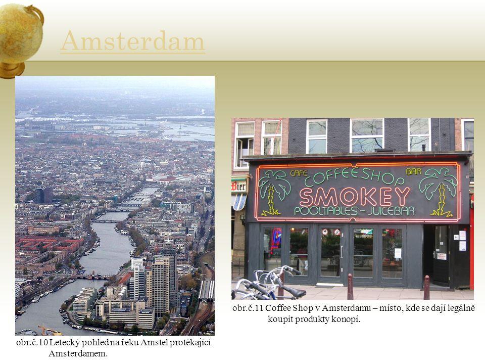 Amsterdam obr.č.10 Letecký pohled na řeku Amstel protékající Amsterdamem.