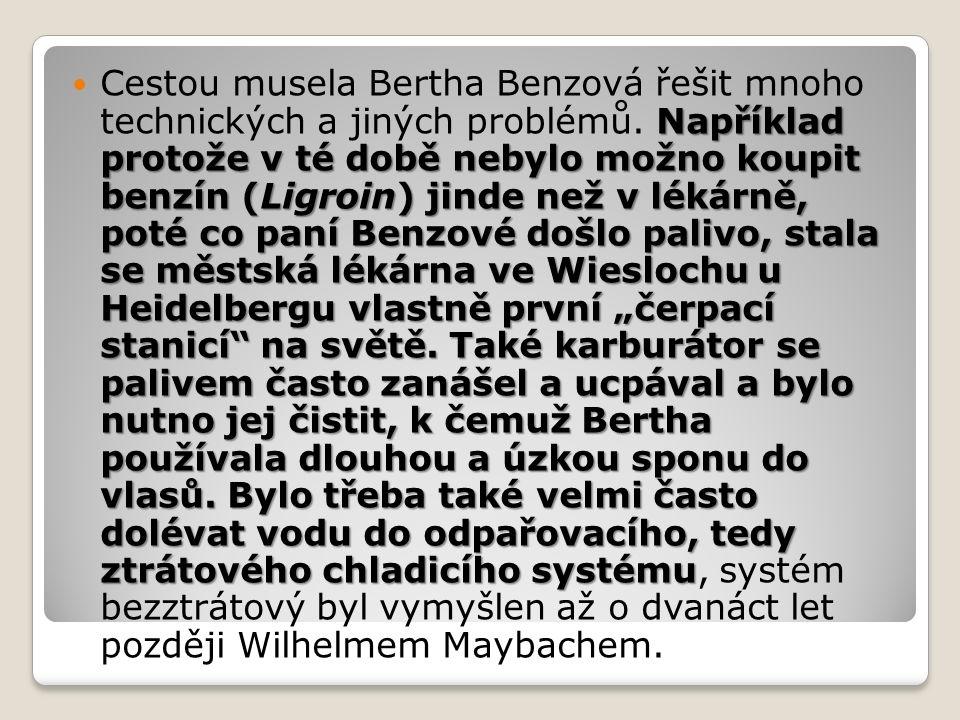 """Například protože v té době nebylo možno koupit benzín (Ligroin) jinde než v lékárně, poté co paní Benzové došlo palivo, stala se městská lékárna ve Wieslochu u Heidelbergu vlastně první """"čerpací stanicí na světě."""
