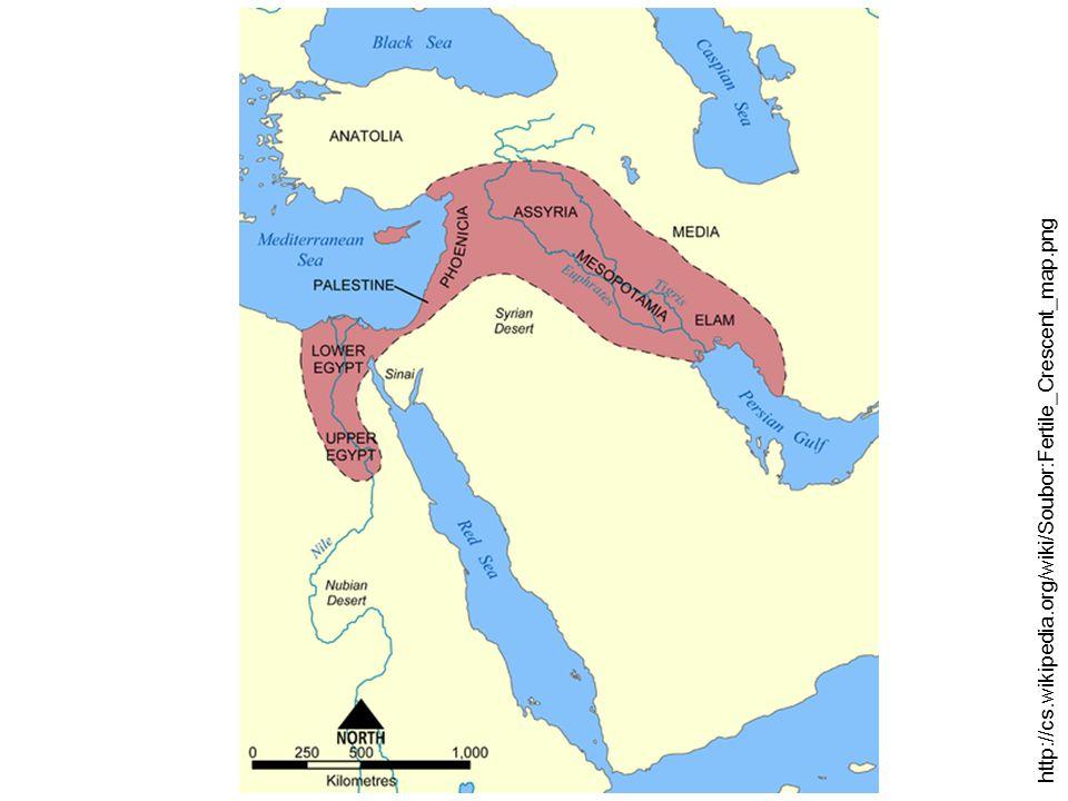 Srovnání starověkých státních útvarů Orientální despocieAntické státy Egypt, Mezopotámie, Indie a Čína Antické Řecko a Řím vznikají v povodí velkých řek (rozsáhlé zavodňovací práce) vznikají často u moře (stavba přístavů) despocie, teokracie – panovník pokládán za boha nebo jeho prostředníka, důležitá role kněží tyranida, timokracie, oligarchie, otrokářská demokracie, císařství (principát, dominát) základním zdrojem obživy zemědělství zemědělství, obchod, řemeslo půda majetkem panovníka, vesnické občiny (kolektivní vlastnictví) půda je soukromým vlastnictvím jednotlivců (individuální vlastnictví) nerozvinuté otrokářstvírozvinuté otrokářství