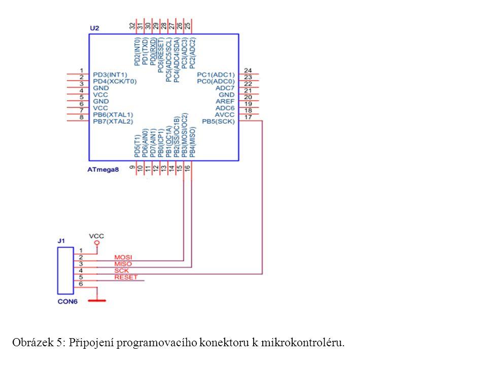 Obrázek 5: Připojení programovacího konektoru k mikrokontroléru.