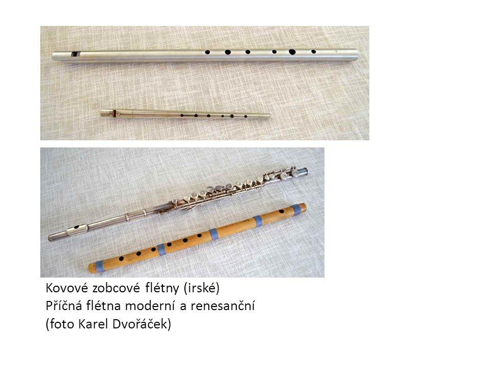 Kovové zobcové flétny (irské) Příčná flétna moderní a renesanční (foto Karel Dvořáček)