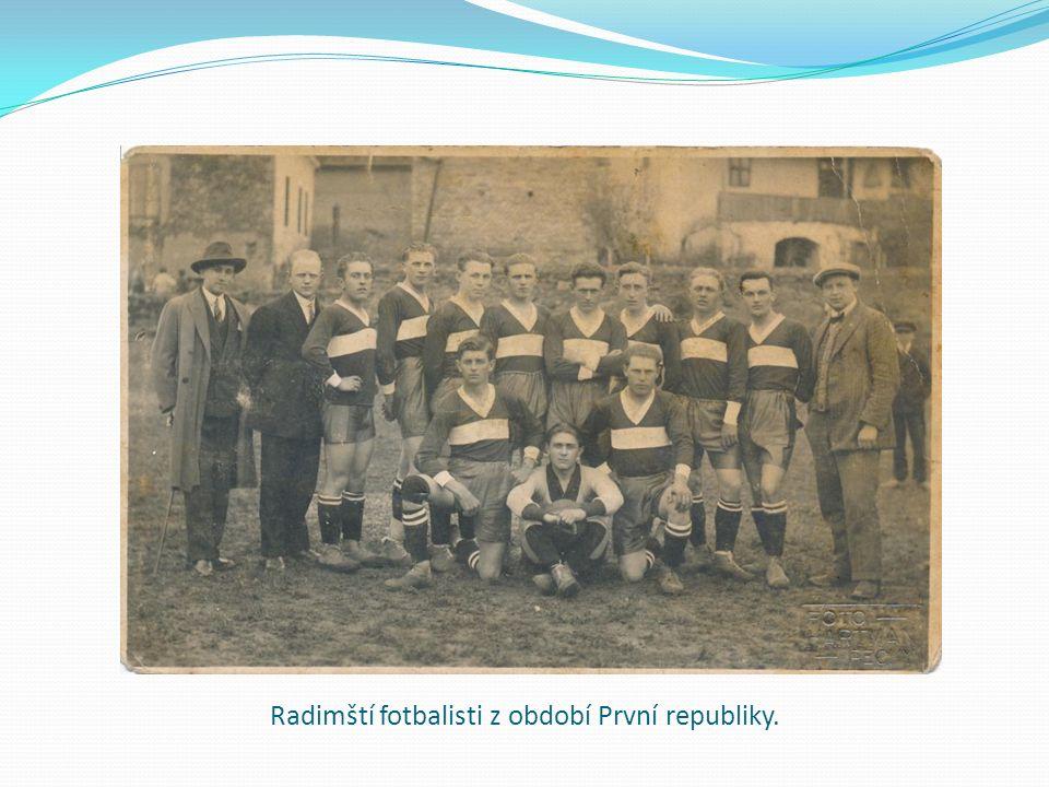 Radimští fotbalisti z období První republiky.