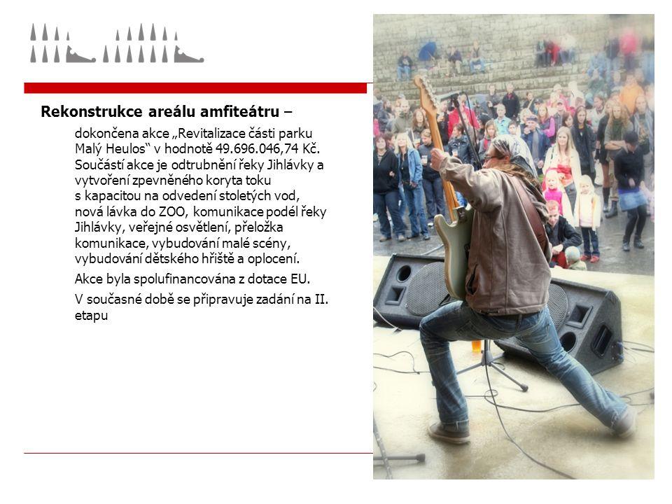 """Rekonstrukce areálu amfiteátru – dokončena akce """"Revitalizace části parku Malý Heulos v hodnotě 49.696.046,74 Kč."""
