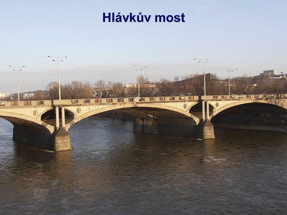 Štefánikův most je jeden z mostů, vedoucích přes řeku Vltavu v Praze.