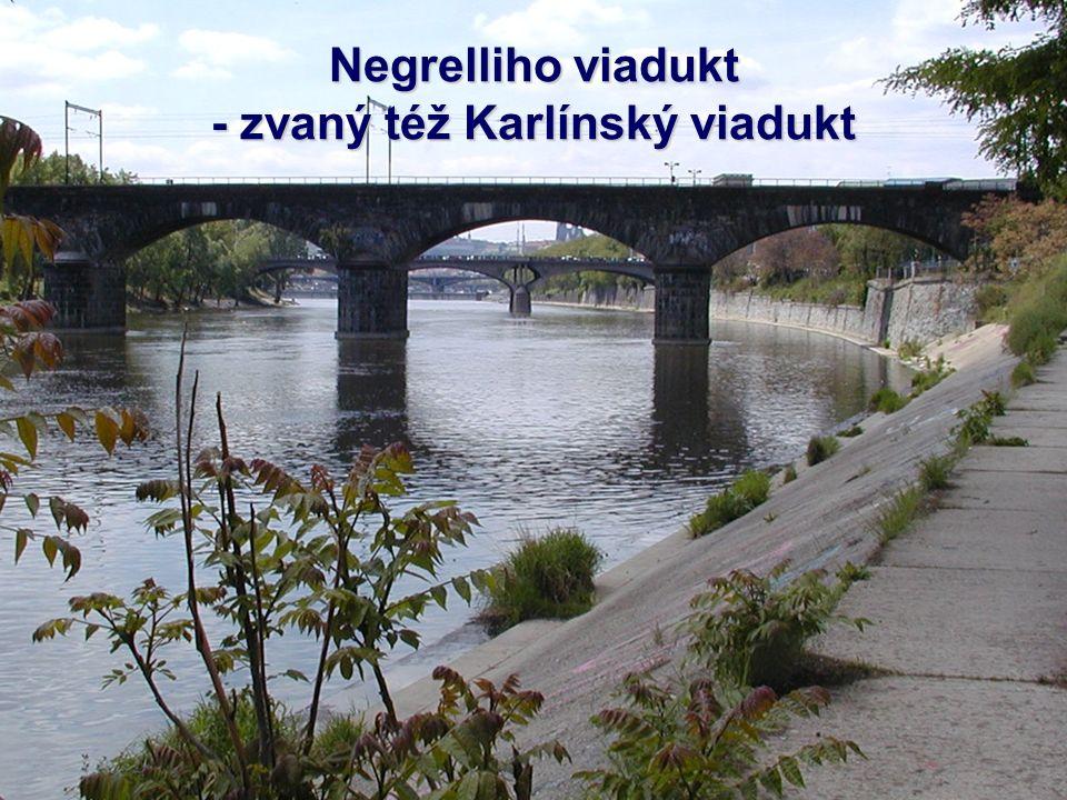 Hlávkův most je třináctý pražský most přes Vltavu po jejím proudu. Je napojen přímo na tzv. přemostění Masarykova nádraží. Most na začátku sestával ze